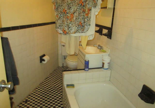Brooklyn bathroom before renovations funded by a ny hard money lender